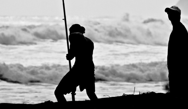 pesca, surfcasting, lance ligero en el mar, lubina
