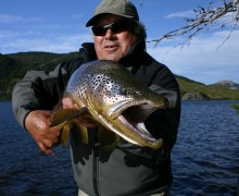 truchas gigantes, patagonia, viaje de pesca, lago mistrioso, julio meier