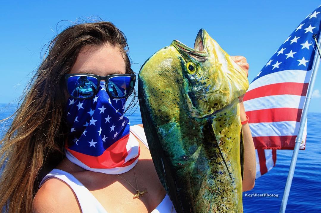 Jacki Shea influencer de pesca, en ebbok de cosaschulasdepesca.com